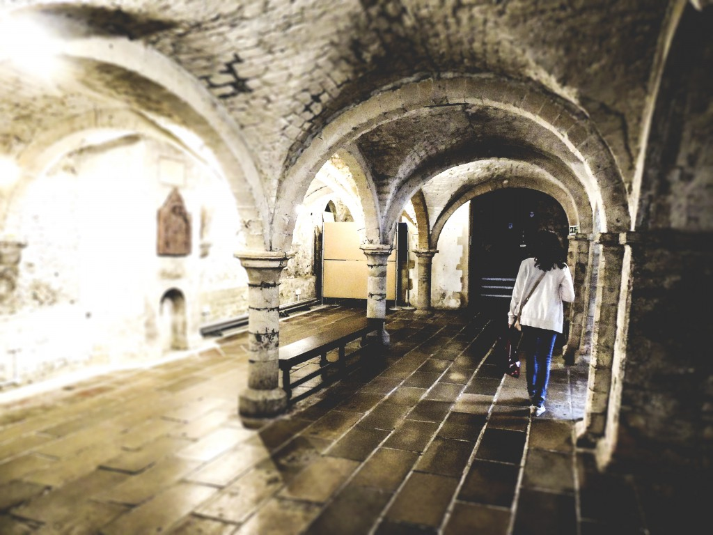 The Canterbury Pilgrim's Hospital of Saint-Thomas dates from the 12th century
